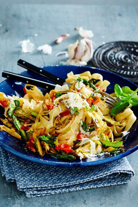 Photo of Pasta with green asparagus and tomato vegetables Recipe DELICIOUS
