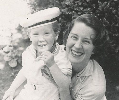 Rare pix of Granny sans makeup.  Norma Shearer with son Irving Thalberg Jr. 1933