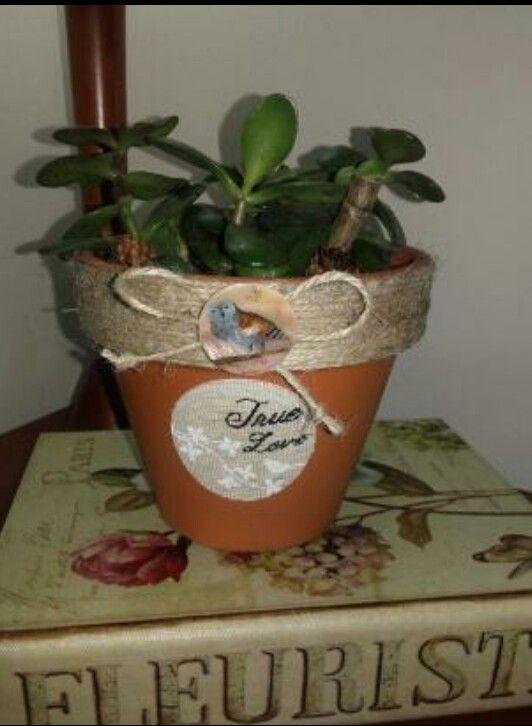 Maceta de terracota decorada cuerda yute boton y tela - Macetas de terracota ...