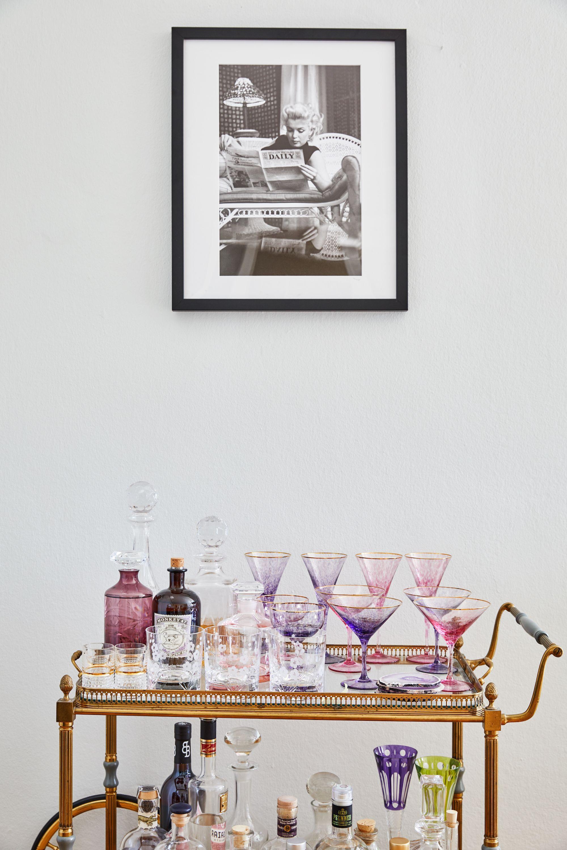 Gold und Pink verträgt sich auch auf einer Barwagen Deko wunderbar ...