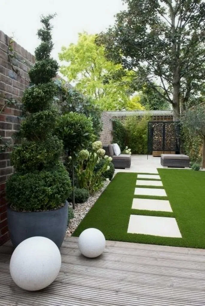 16 Minimalist Garden Design Ideas For Small Garden In 2020 Outdoor Gardens Design Small Backyard Landscaping Back Garden Design