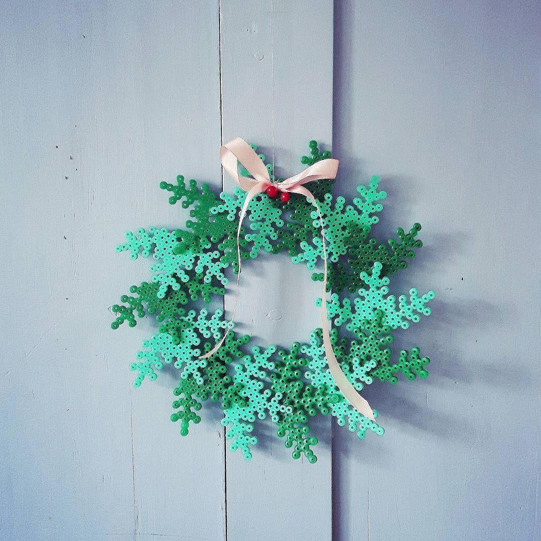 Jule-perle-pynt ♡ #barewunderbarjul #perlepynt #vinterhygge #hamaperler #hama #julepynt #homemade #tyvstart