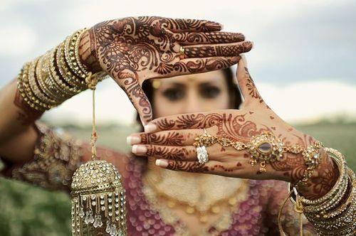 Mehndi Party Checklist : Best hindi ladies sangeet and mehndi party dance songs