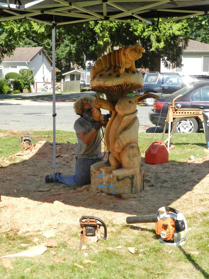 2012 world class chainsaw carving competition. ryan cook britannia