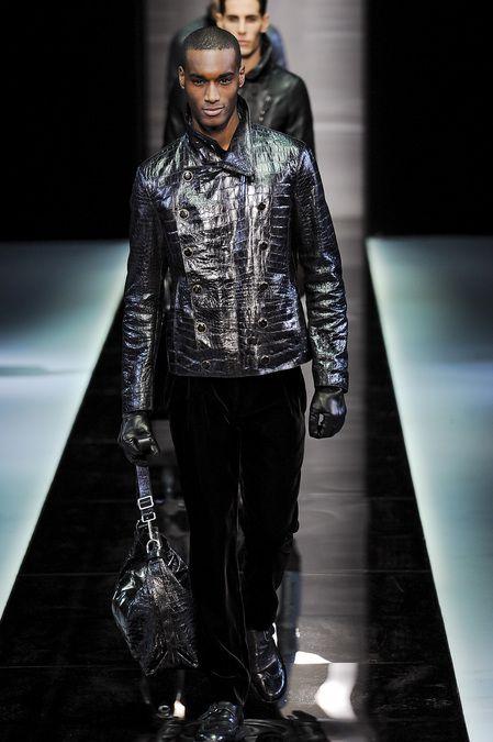 giorgio-armani-milan-fashion-week-fall-2013-43.jpg