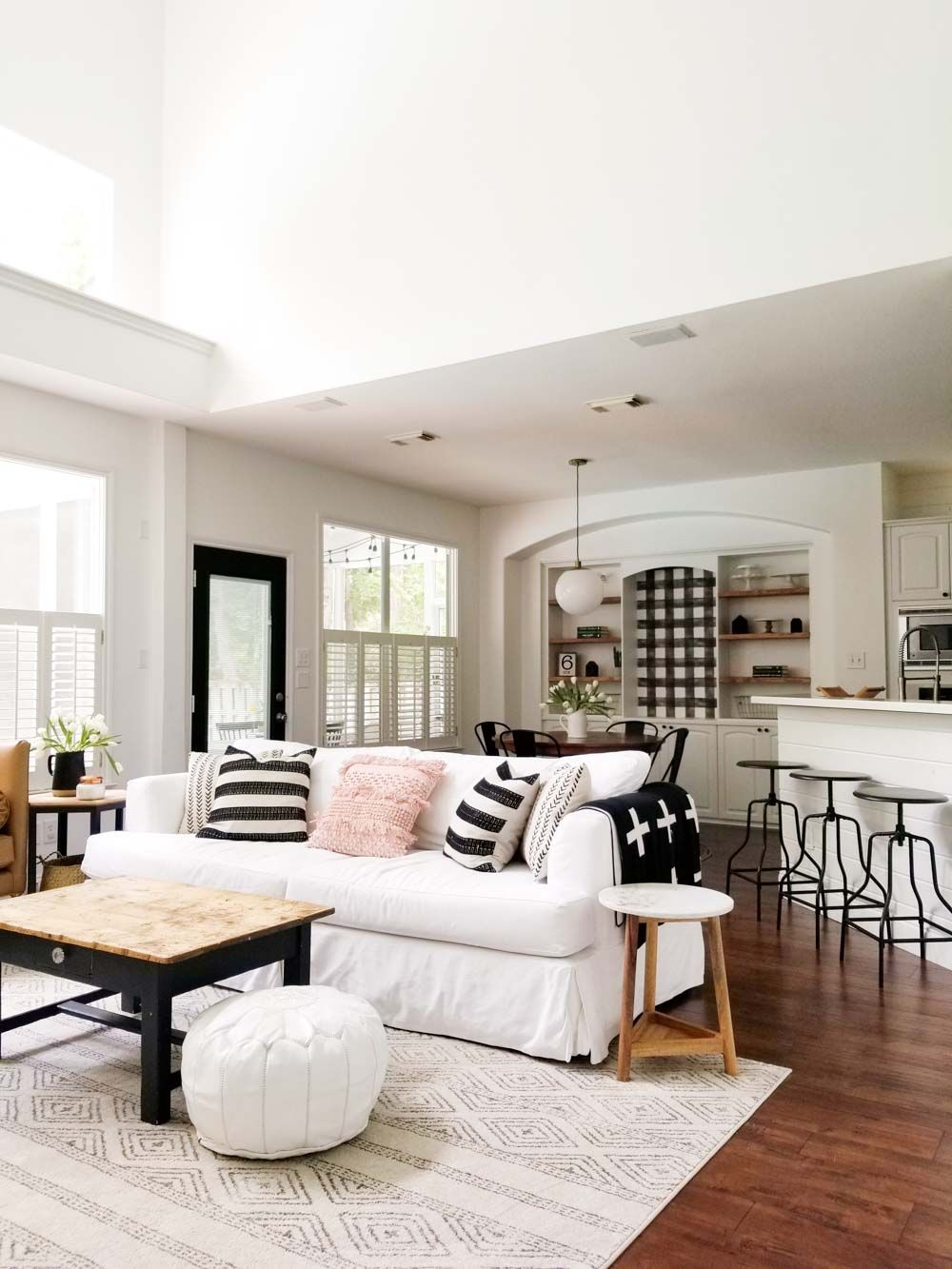 texas home full of natural light and potential also ideas rh pinterest