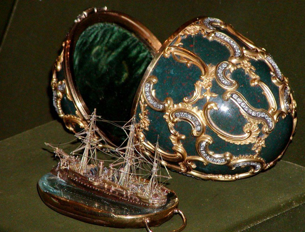 Cultura faberge tojas azov emlekereg 1010768 faberge pinterest carved from a solid piece of heliotrope jasper the memory of azov egg the surprise contained within is a miniature replica of the imperial russian navy negle Gallery