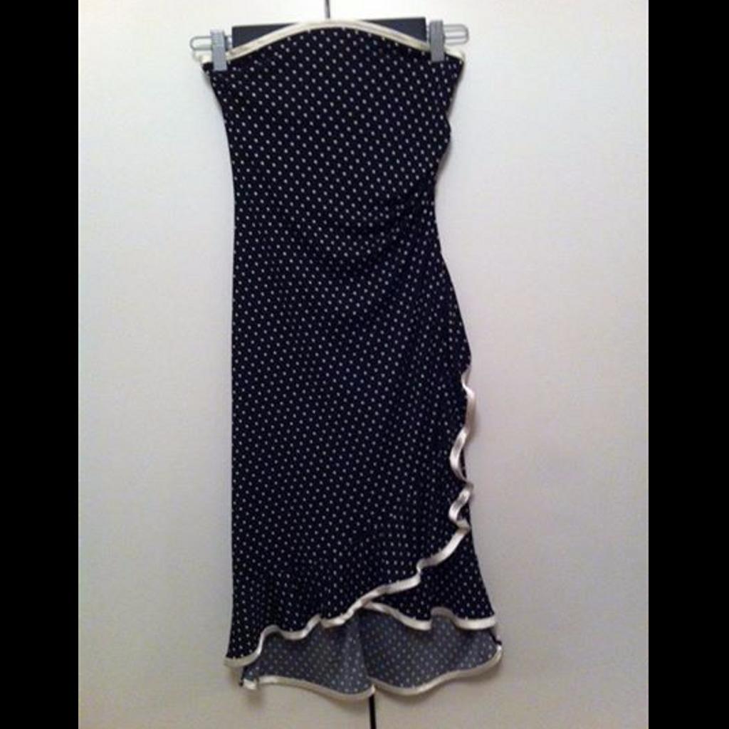 Koton Koton Siyah Beyaz Puantiyeli Straplez Abiye Elbise Siyahbeyaz Puantiyeli Elbise Strapless Straplez Askisiz Biyel 2020 Siyah Elbise Moda Stilleri Moda