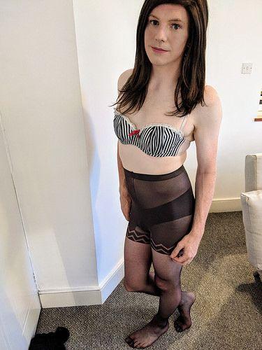 Crossdressers pantyhose
