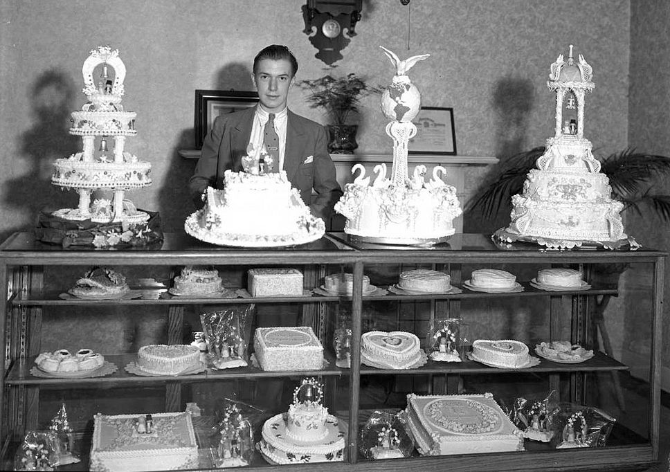 wedding cakes at the west high bakery in 1935 courtesy utah state historical society. Black Bedroom Furniture Sets. Home Design Ideas