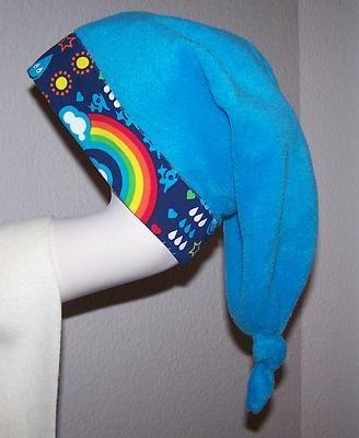 Brrrrrrrr es wird kalt...!!!    Süße kuschlige Zipfelmütze für die kleinen  Racker...  Vernäht wurde ein Microfleece von Swafing &  ein Bio-Jersey  von Lillestoff !      Gr.48-54    Länge bis zum Zipfelschluss  53cm