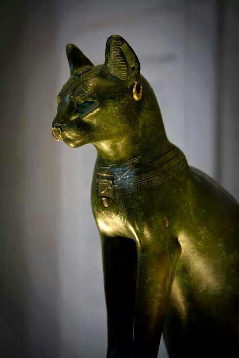 Egyptian golden cat statue | Egyptian Art | Cat statue ...