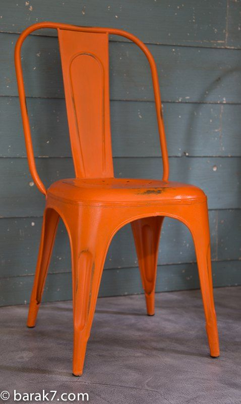 Chaise industrielle m tal orange cuisine bistrot for Chaise bistrot metal