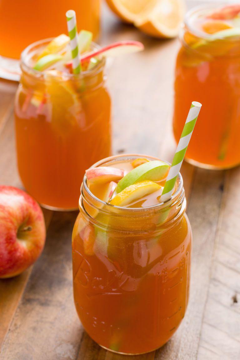 Make Apple Cider Sangria Your Favorite Fall Punch #applecidersangriarecipe