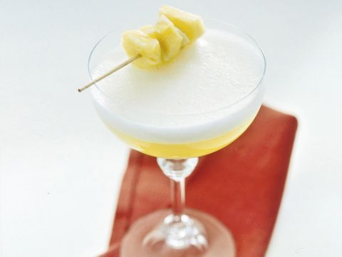 Cocktail-di-spumante-all'ananas-e-zenzero