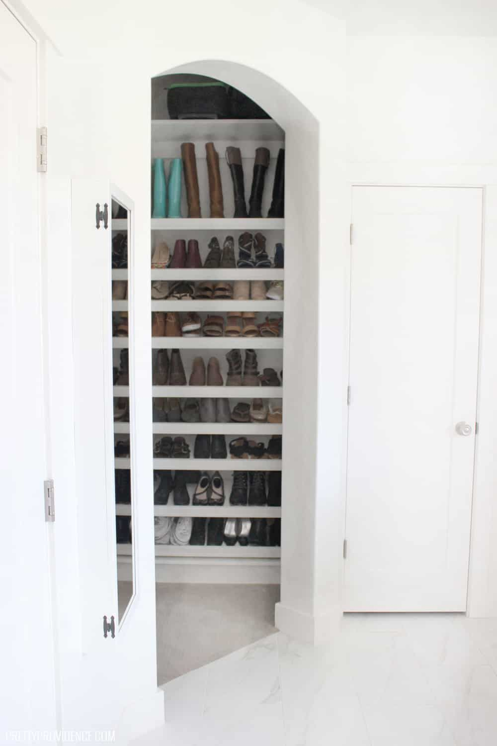 Ideas Of Functional And Practical Walk In Closet For Home: Walk In Closet Ideas - How To Make Your Closet Work For You!