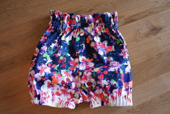 These Beautiful Floral Dream 100 Cotton Bloomers Have A Paper Bag Elastic Waist And Elastic Legs Make For A Baby Bloomers Outfit Toddler Tights Baby Bloomers