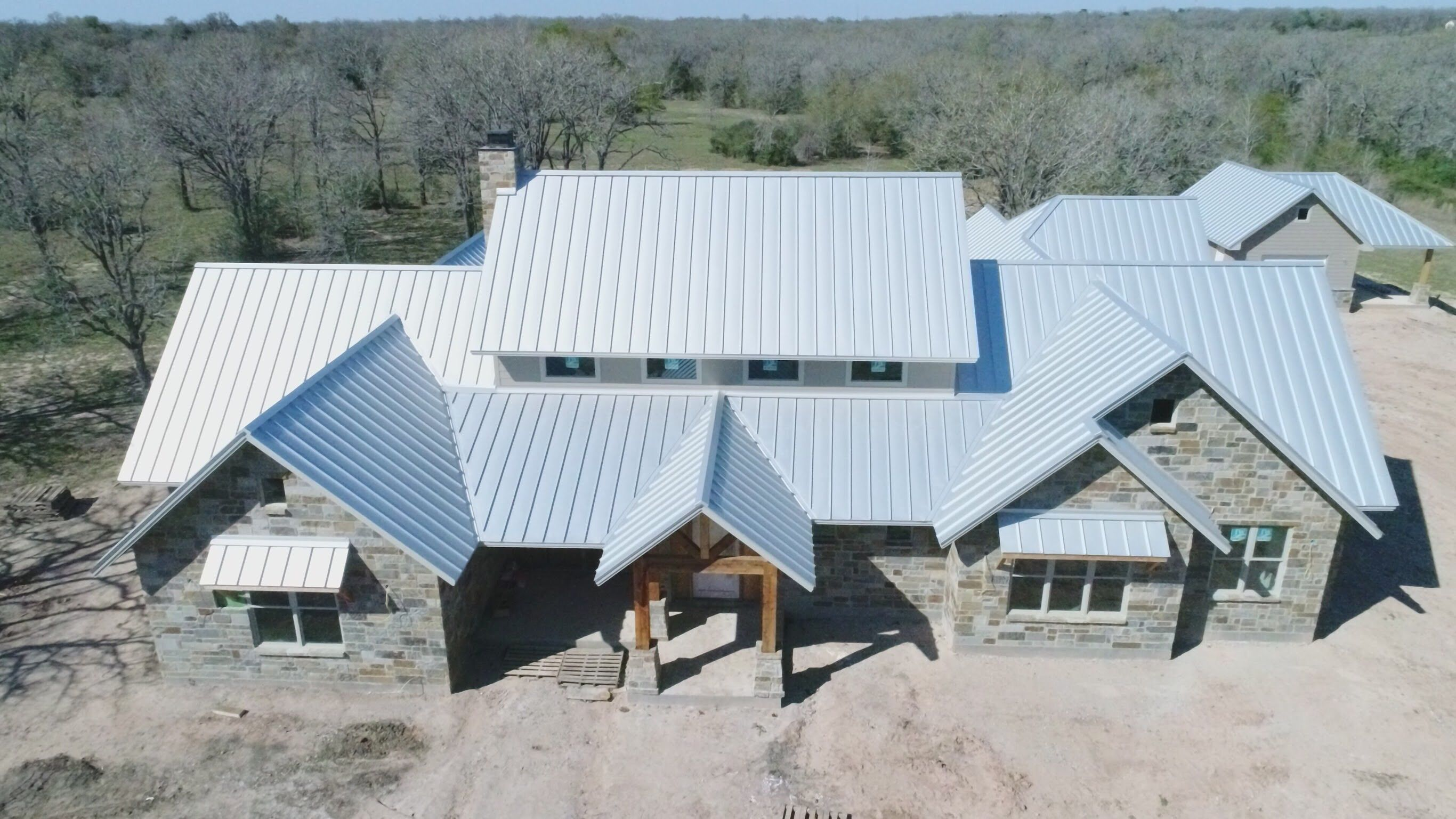 Galvalume standing seam metal roof | Corrugated roofing ...