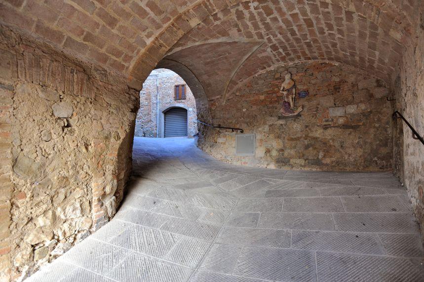 Walking in Monteverdi Marittimo - Tuscany #volterratur