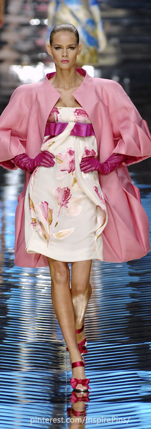 """Couture Valentino 