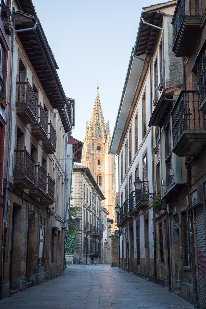 Asturias en domingo paseando por el casco antiguo de oviedo sunday asturias vintage chic - Bienes raices espana ...