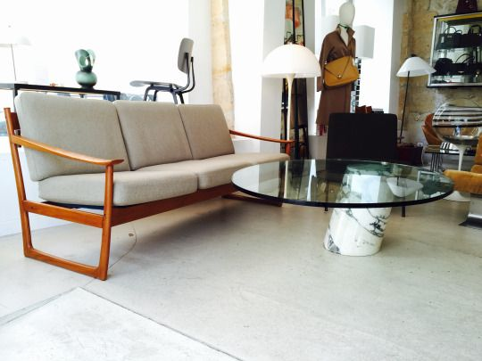 Hey #vintagelovers, we are very happy to be back at the shop! Yes we're open!  What do you think about this gorgeous 3 seats sofa designed by Peter Hvidt & Orla Mølgaard-Nielsen and edited by France and Son in the #60s? Fits with this beautiful coffee table by Ronald Schmitt, ed. Team Form AG from 1974.   Interested? Any questions? Please feel free to contact us: sales@design-only.com Worldwide shipping.