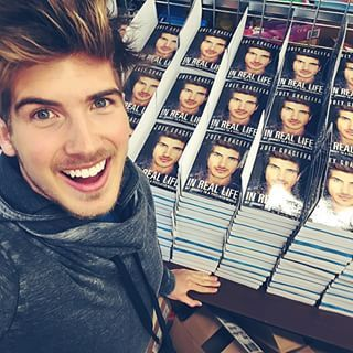 Joey graceffa signing books for la meet and greet joey graceffa joey graceffa signing books for la meet and greet m4hsunfo