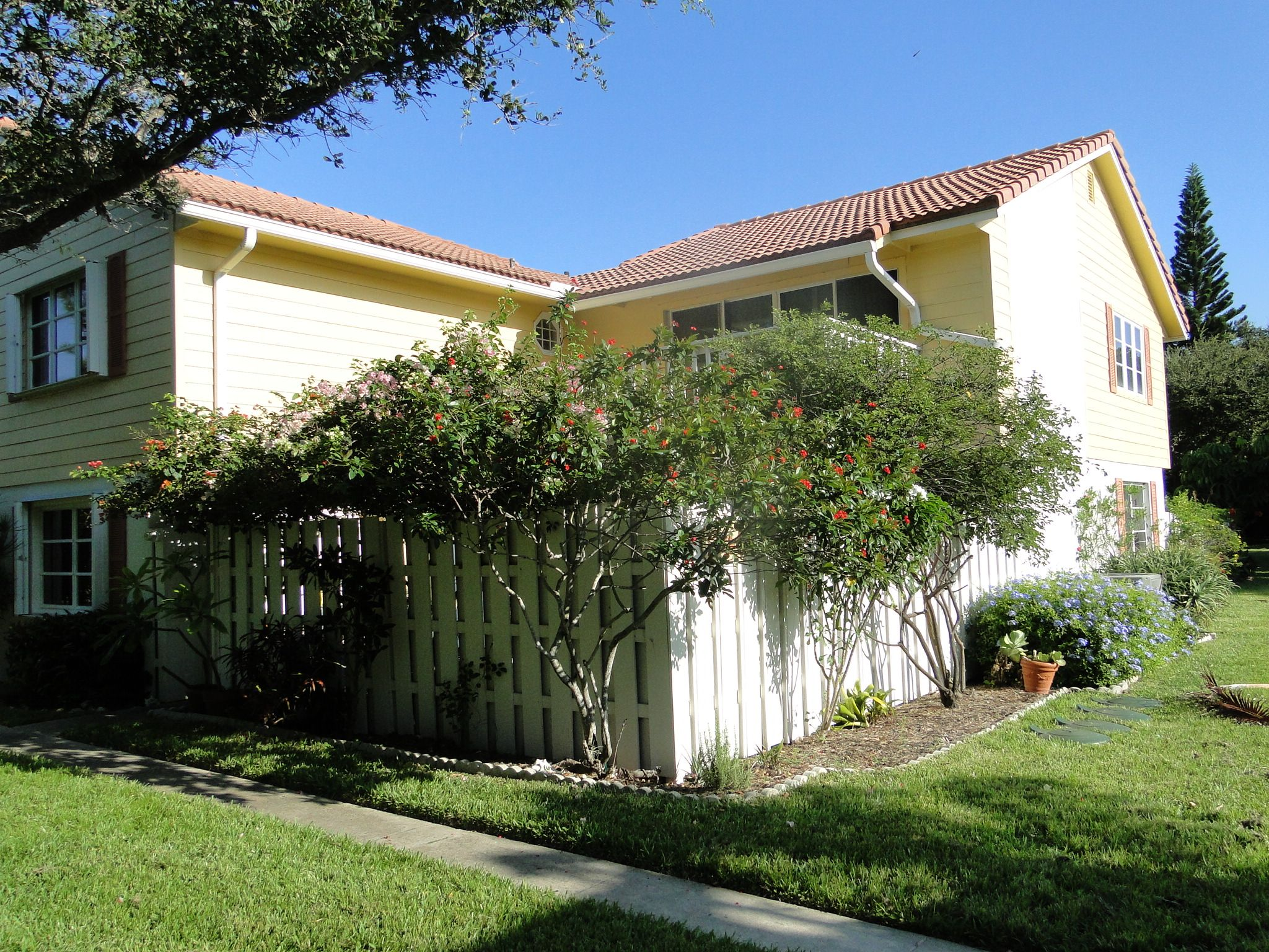 For Rent! Immaculate 3 bedroom 2.5 bath in gated beach