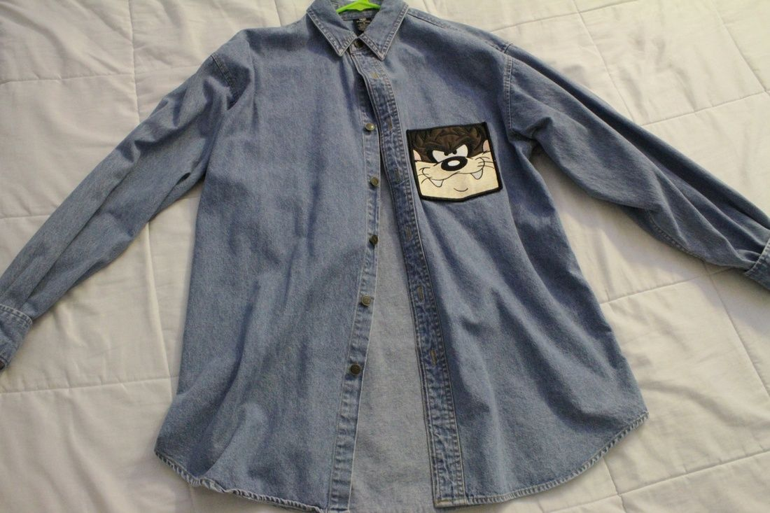 8e6dae95a8 Warner Brothers Studio VINTAGE Looney Tunes denim button up shirt Size US M    EU 48-50   2