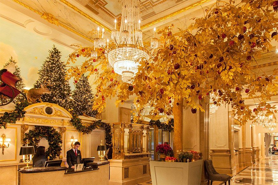 Holiday decor at the St  Regis | Holiday Decor | Holiday