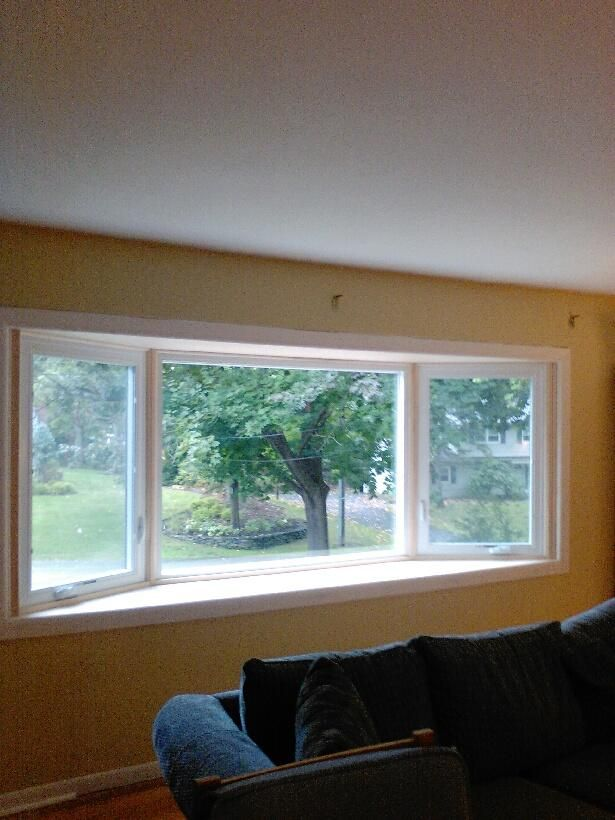 New Jersey Royal Celect Installation Vinylsidingnewjersey Com The Color Is Grove And The Trim Is Pvc Or Azek Hardy Plank Siding Vinyl Siding Home Window Repair