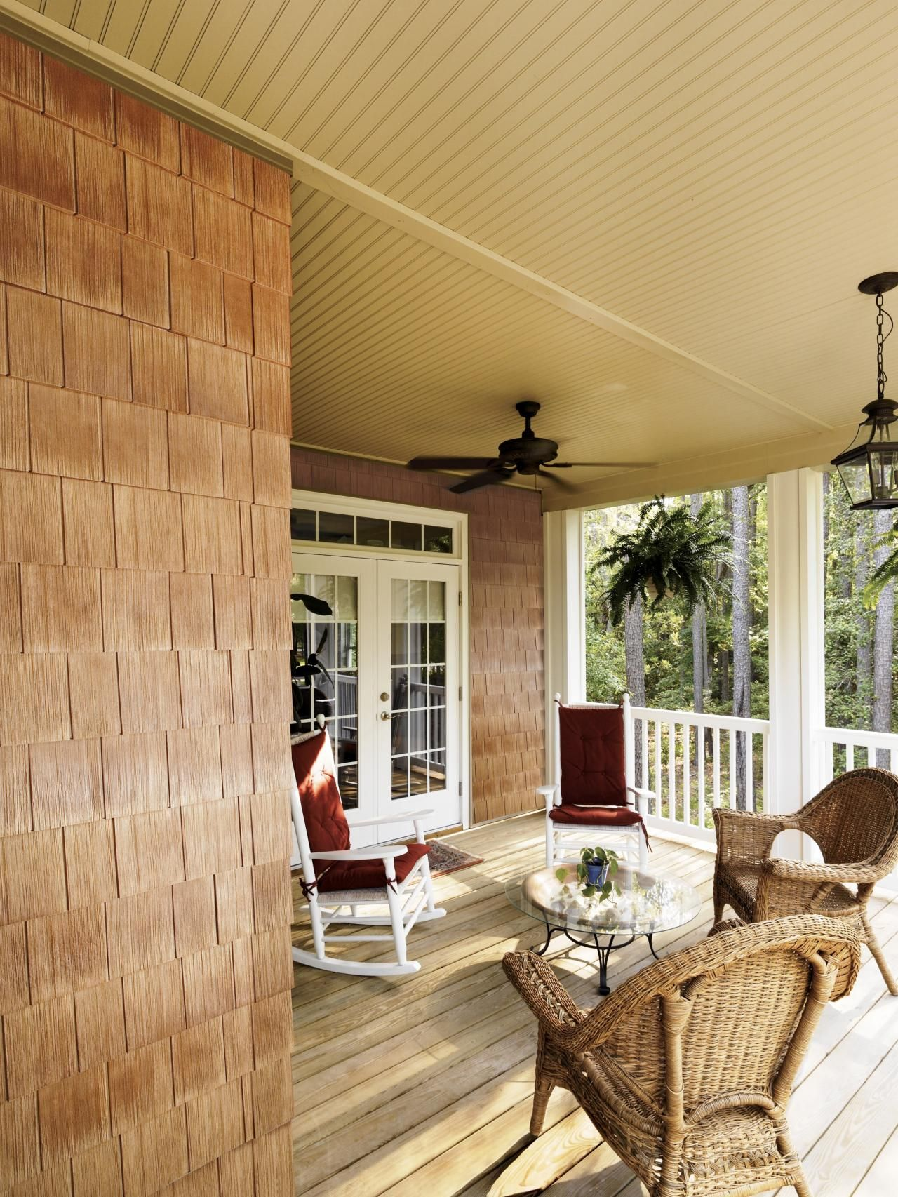 Getting ready to re-side your house?  DIY Network offers tips on how to compare costs, weigh pros and cons, and learn how each of today's most popular siding materials rank when it comes to being earth-friendly.