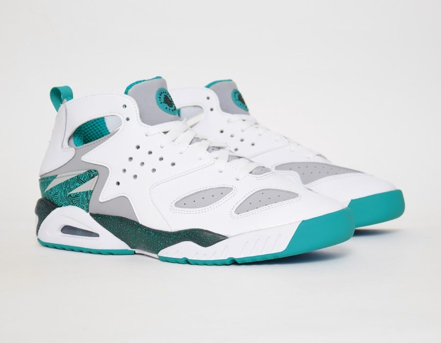 timeless design 88be1 16d61 Nike Air Tech Challenge Huarache White Green sneakers
