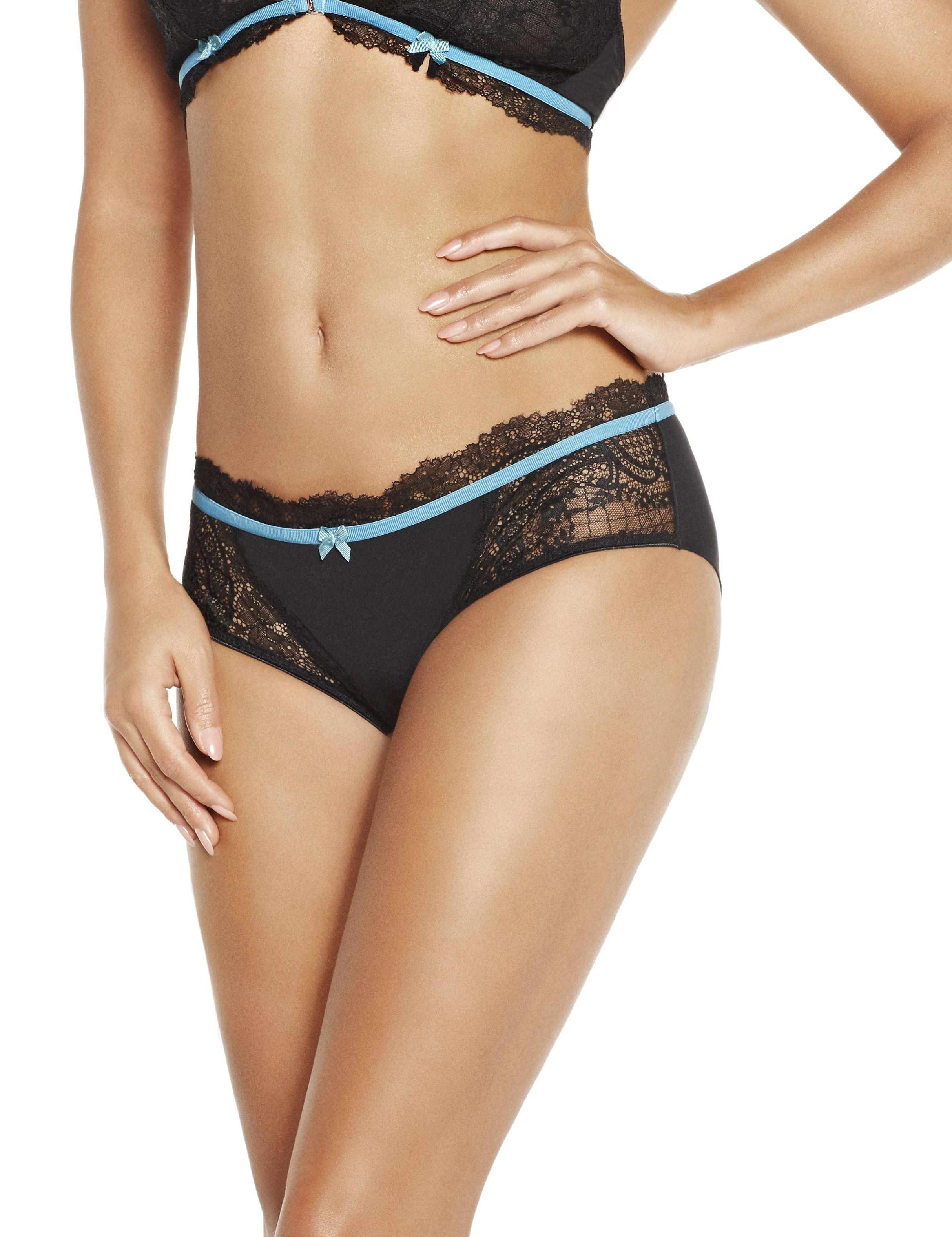 Low Cut Brazil Panty I Black