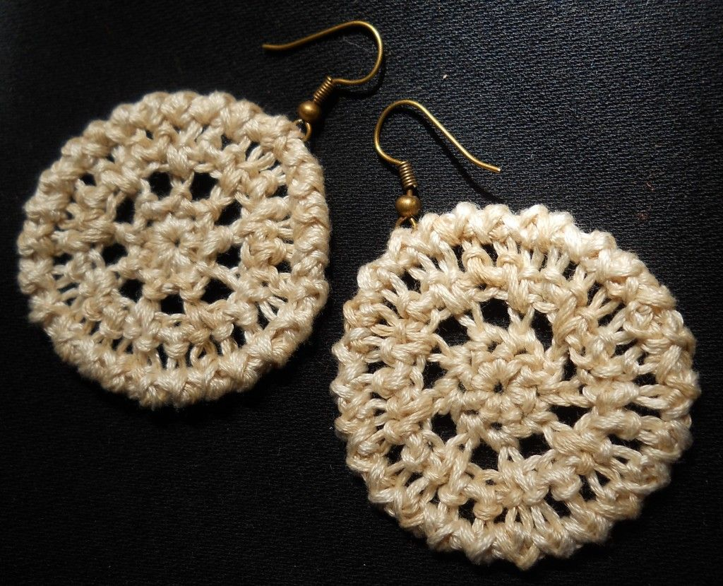 Understated Elegance Crochet Earrings | Aritos