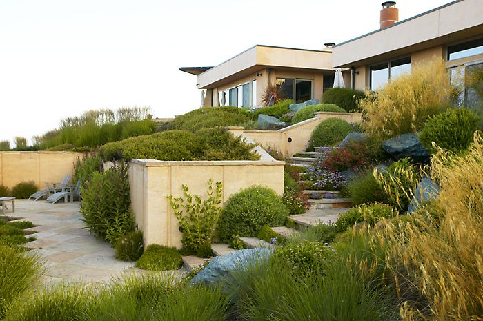 Garden design by Gary Ratway - Photo by Claire Takacs | GARDENS ...