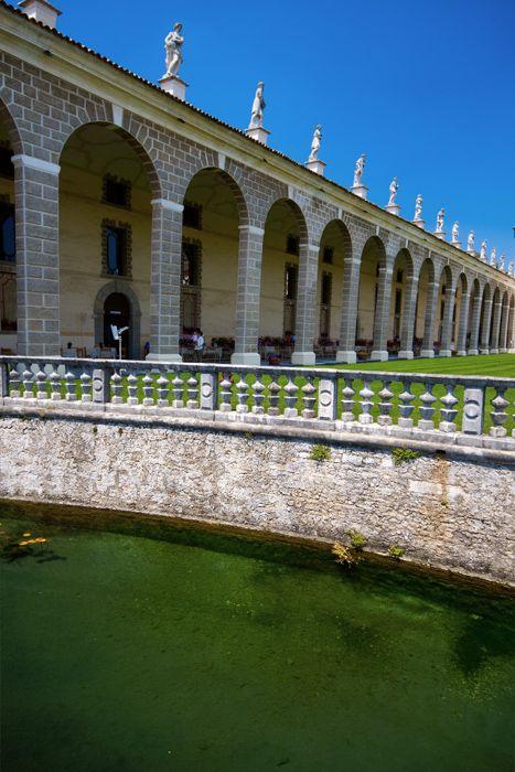 Portico e vasca, Villa Manin, Passariano (Udine) Venezia