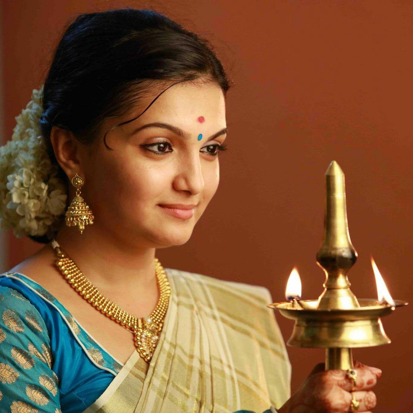 Wedding Hairstyle Kerala: Saree, Kerala Saree And