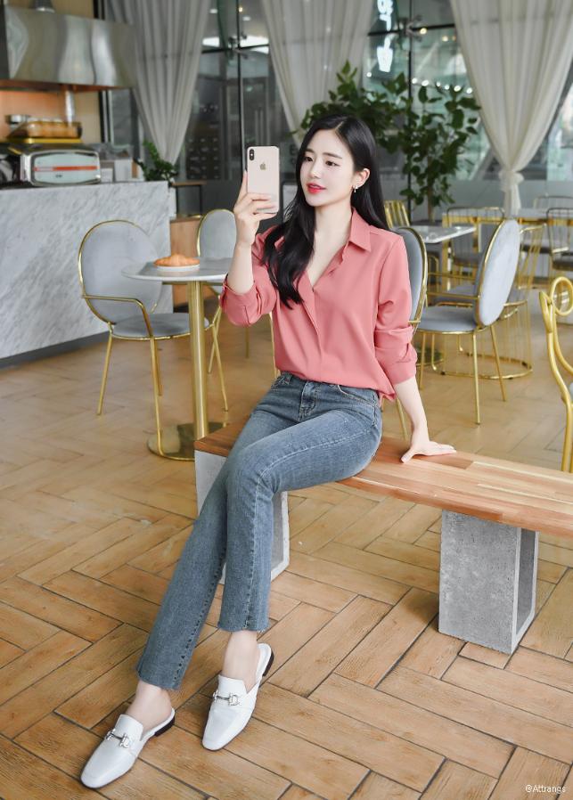 Koreanfashion Koreanstyle Korean Trends Usa Blouse Source By Qoo10worldwide Casual Outfits Korean Fashi Di 2020 Gaya Model Pakaian Gaya Busana Model Pakaian