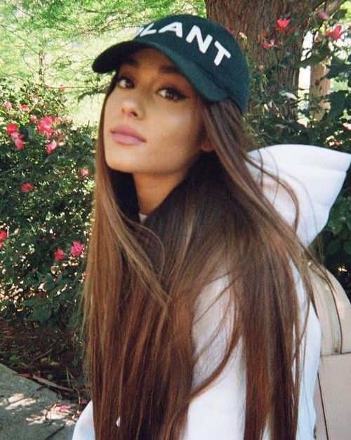 Photo of Ariana big long hair