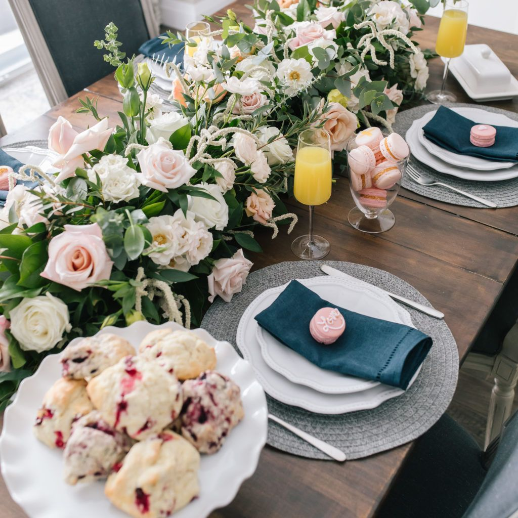 TABLESCAPES AND DINING ROOM
