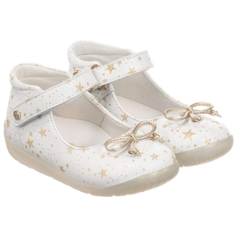 Younger Girls White Leather Shoes From Falcotto By Naturino With Printed Gold Hearts Made In Super Soft Leather With L White Leather Shoes Girls Shoes Shoes