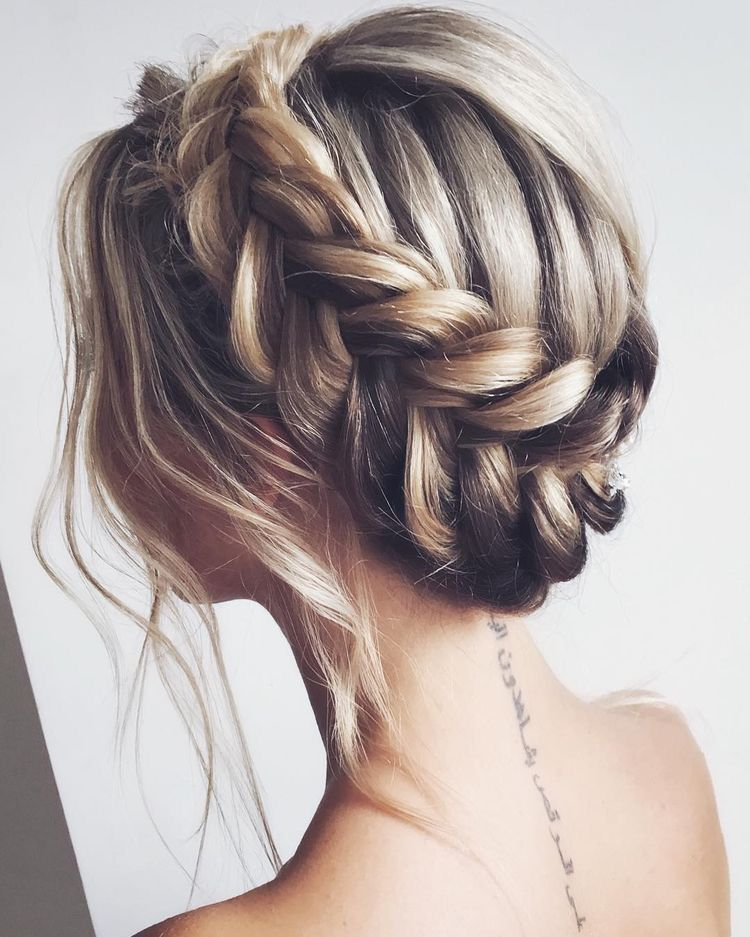 Hair Style Bridal Hairstyle Wedding Scattered Hairstyle Long Hair Half Up Half Down Loose Hair Style Shou Evening Hairstyles Hair Styles Bride Hairstyles