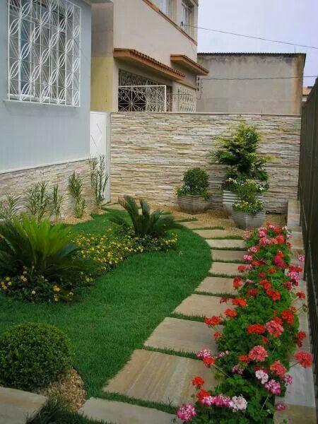Jardines para entradas y pasillos pasillos jardines y for Lindos jardines pequenos