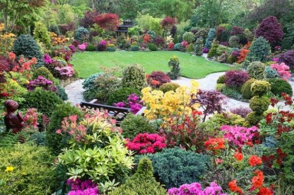 Oddfuttos When The Photos Speak Incredible Four Seasons Garden Photos Beautiful Gardens Family Garden Amazing Gardens