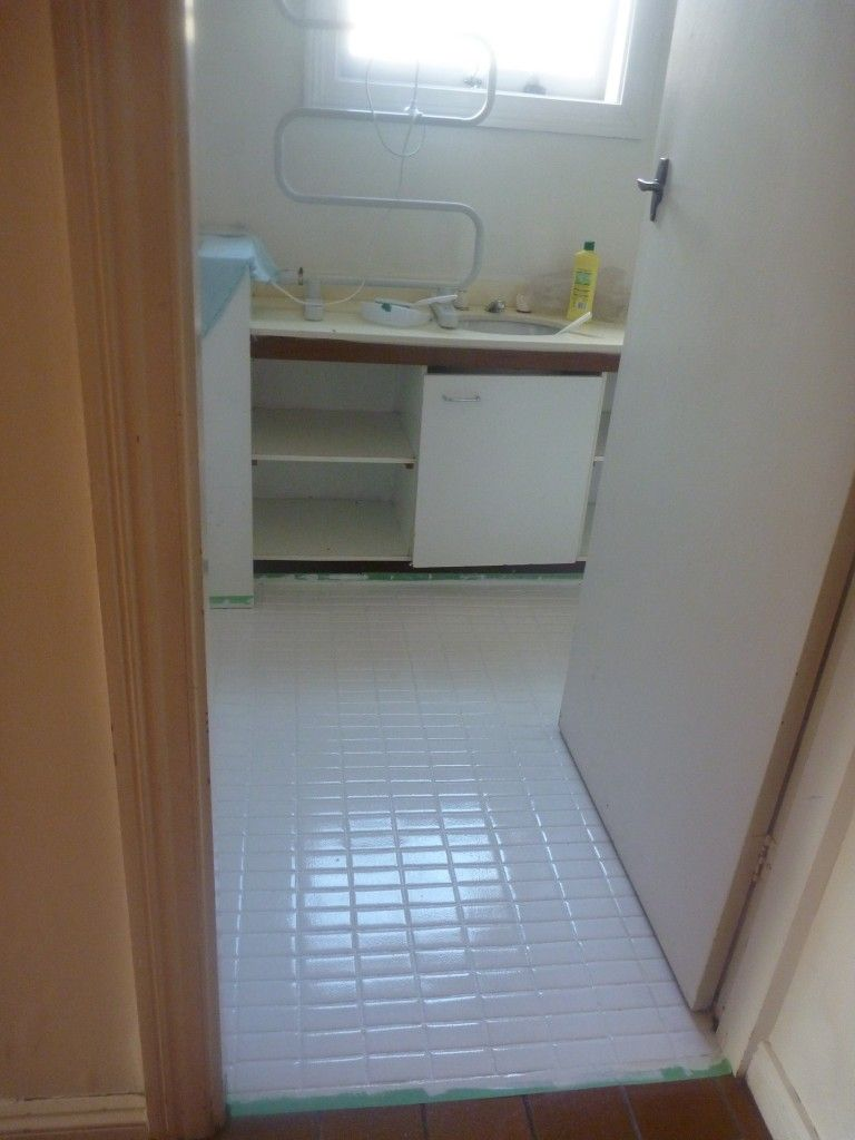 how to paint ceramic bathroom floor tiles. this is the after photo