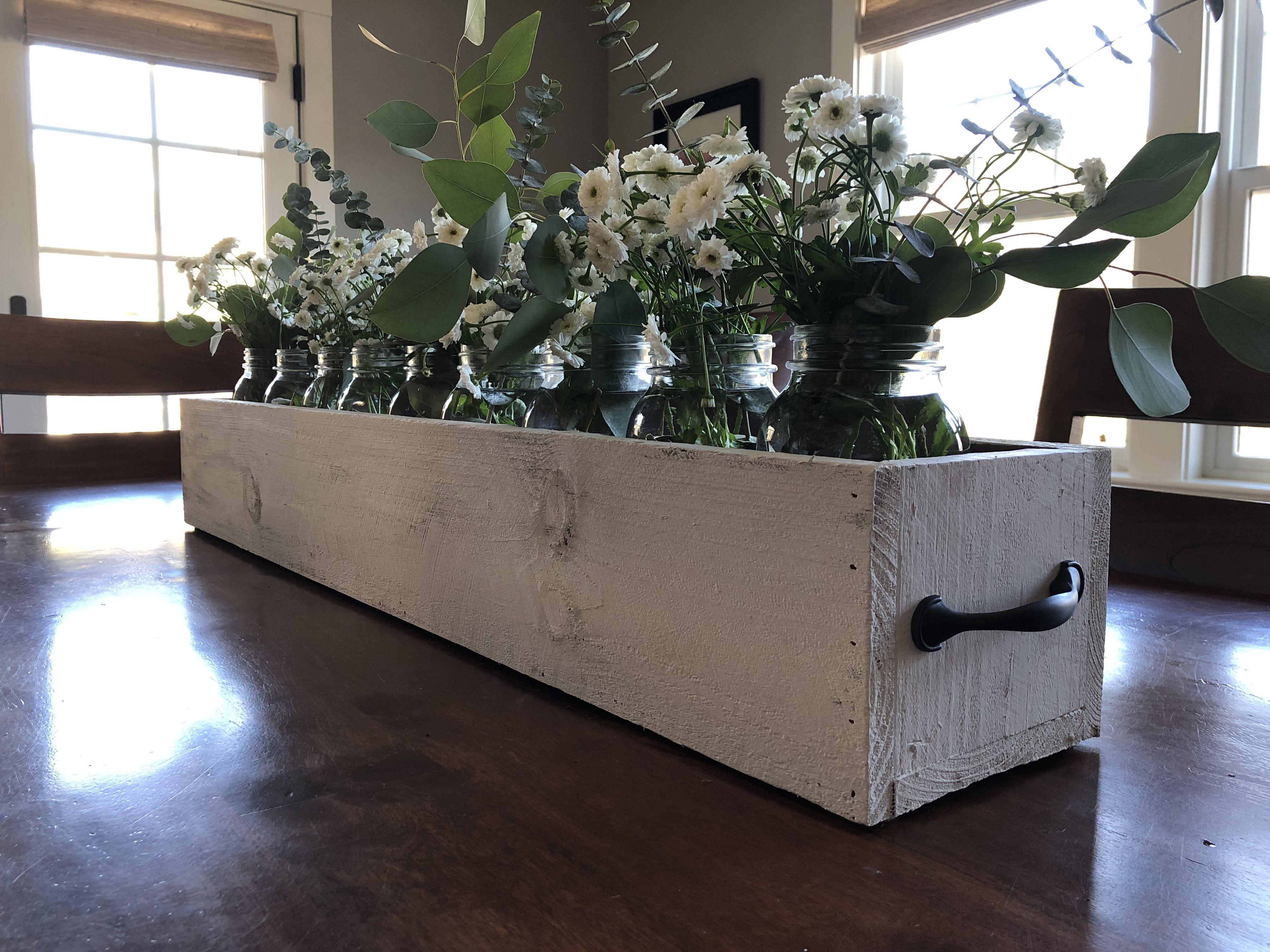 DIY chalk paint flower box dining centerpiece #woodenflowerboxes