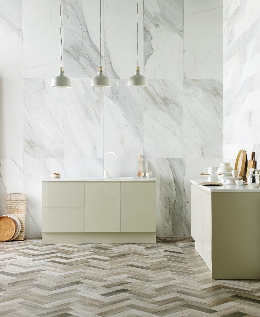White marble wall tiles in the kitchen New natural stone tiles from ...