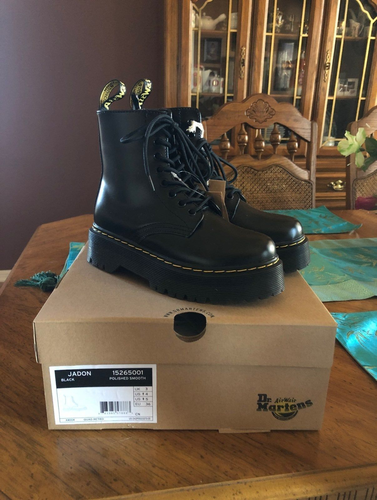 DR MARTENS 1460 SMOOTH Sneaker Box