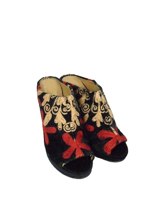 Artistic One of a Kind Wedge Sandal, Open toe, Open heel Size 38